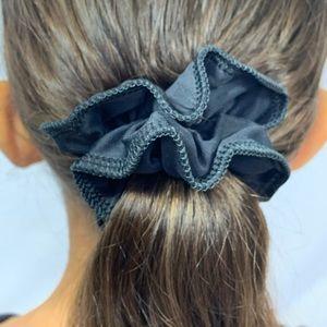 J2 Sport Scrunchie - Black : One Size